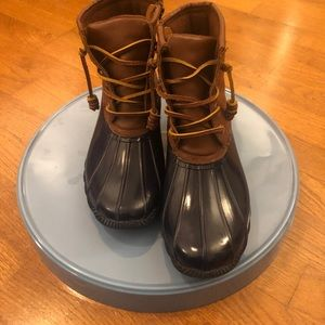 Steve Madden blue and brown duck boots size 7